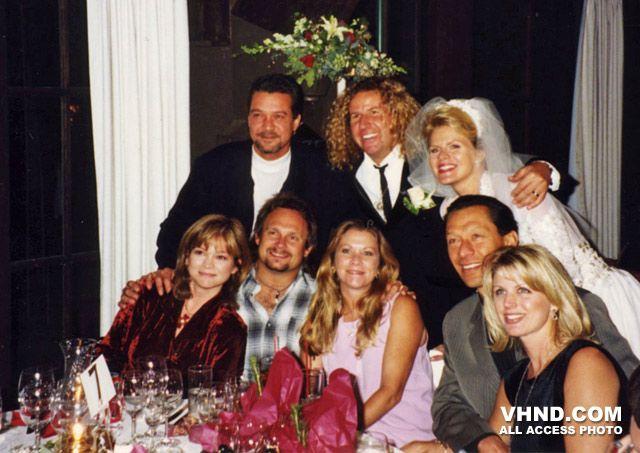 Sammy hagar 39 s wedding dinner with kari karte 1995 eddie for How long were eddie van halen and valerie bertinelli married