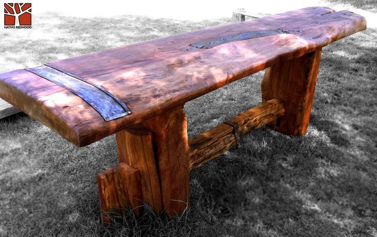 Nativo Redwood. Arrimos de madera roble rústico con cubierta de una pieza con bordes naturales con aplicaciones de fierro forjado y base de maderos escalonados.  Dimension: 0.60x2.40x0.90 www.nativoredwood.com www.facebook.com/nativoredwood