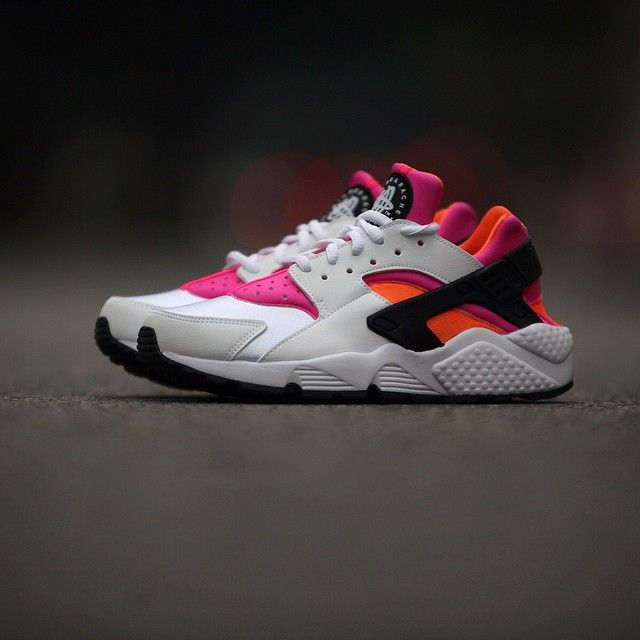 Nike Air Huarache \u2013 White \u2013 Pink \u2013 Orange 2