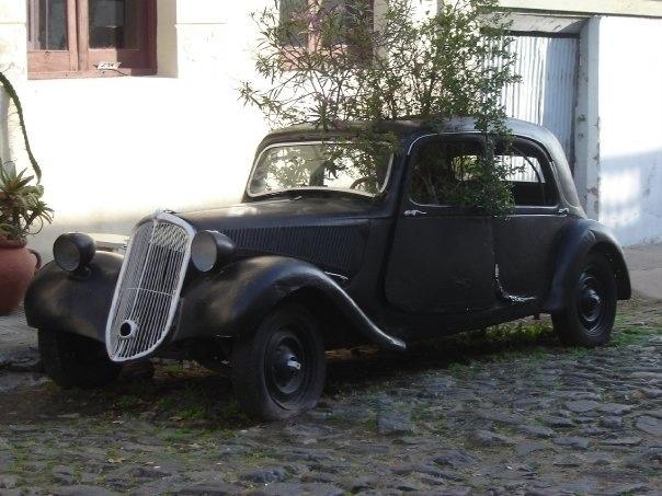 Old Car, Colonia del Sacramento-Uruguay.