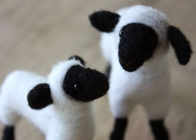 lil fish studios: needle-felted sheep kit in the shop! Felt sheep and lambs!