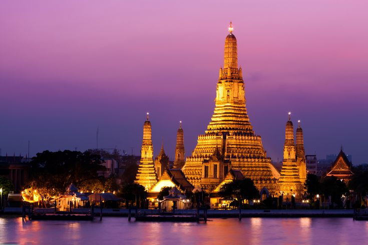 Wat Arun: Bangkok, Thailand. Absolutely beautiful.