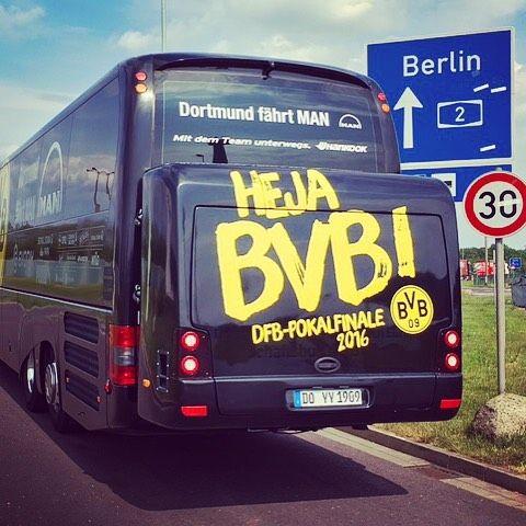 #dfbpokal #hejabvb #fcbbvb #bvb #dortmund #borussiadortmund #fcb #fcbayern #fcbayernmünchen #berlin #olympiastadion #bus #mannschaftsbus #teambus #echteliebe #travelgram