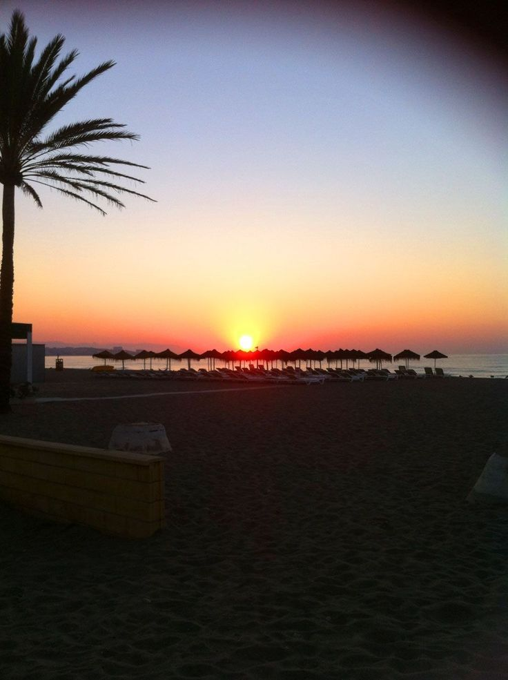 Fuengirola Beach looking beautiful at sunset #CostaDelSol