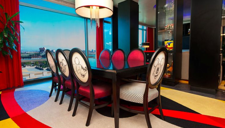 Mickey-Mouse-themed-dining-room.png (869×496)