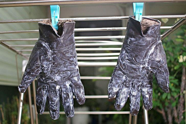 물과 상극이라는 가죽장갑 손상없이 물세탁하는 비법