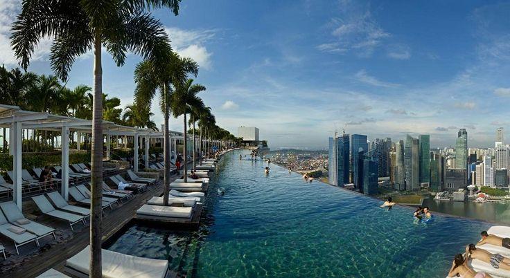 Marina Bay's pool http://www.bestprice.vn/tour/