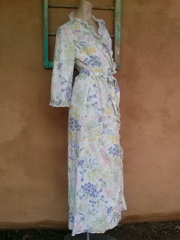 Vintage 1960s Robe Pastel Floral Print 60s Bathrobe Medium Large 2013300 by bycinbyhand on Etsy