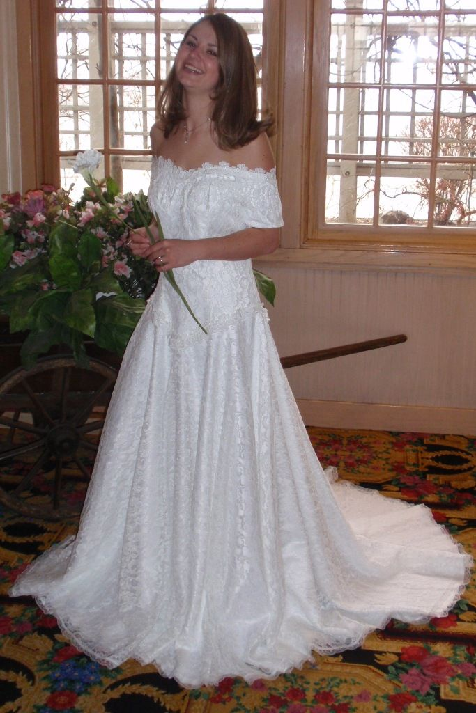 Best 25 Western wedding dresses ideas on Pinterest  Country wedding dresses Cowboy wedding