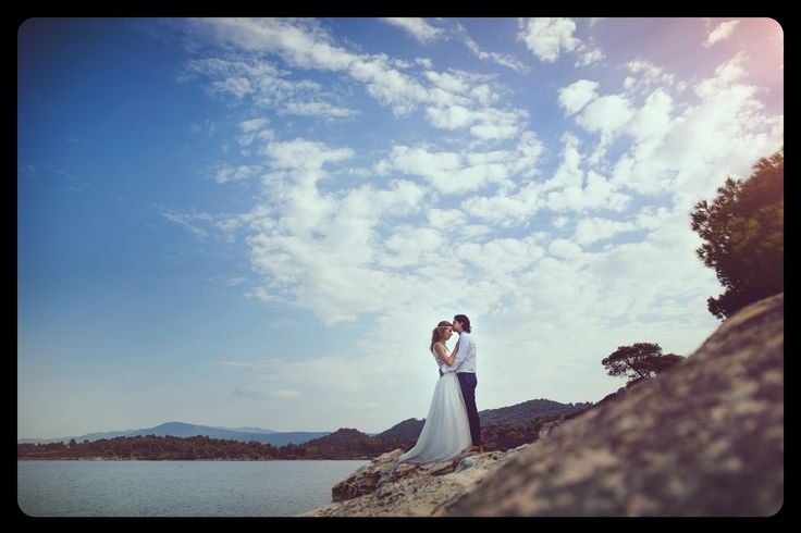 After wedding #wedding #afterwedding #bride #groom #weddingdress #landscape #love #kiss