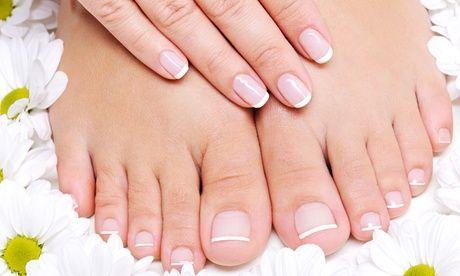 #Manicure e pedicure con copertura in gel o  ad Euro 19.90 in #Groupon #Nails1