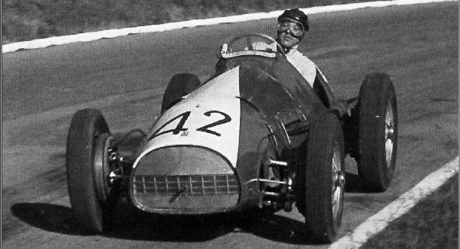 #42 Rudi Fischer (CH) - Ferrari 500 (Ferrari 4) 2 (5) Ecurie Espadon