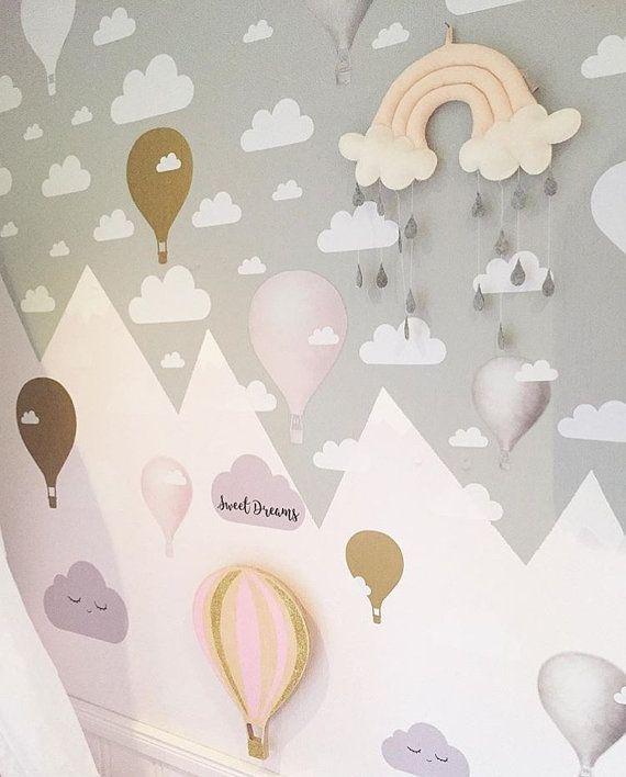 Elke set bevat 45 wolken zoals weergegeven in de afbeelding van de aanbieding. De maten Small, Medium, Large en Extra Large zal het bepalen van de afmetingen van elke wolk.  Deze schattige Fluffy Cloud muur stickers zal speciaal tintje toevoegen aan uw huis & kinderen kamer! Verkrijgbaar in meer dan 20 verschillende kleuren, van metallisch goud of zilver glanzend zwart of wit, deze wolken aanvulling op alle stijlen van home decor.  Opties voor grootte: Klein: 2 duim (5cm) x 45 wolken Med:...