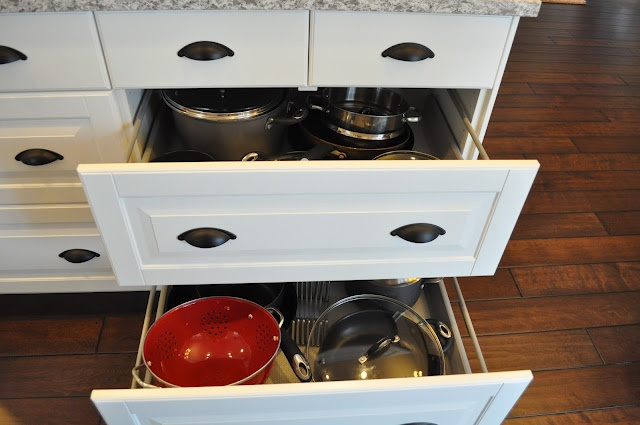 No Cupboards/cabinets, Only Drawers