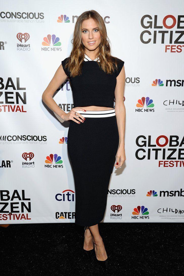 Pin for Later: Little Black Dress vs. Little White Dress: C'est la Bataille Sur le Tapis Rouge Allison Williams Allison Williams au Global Citizen Festival.