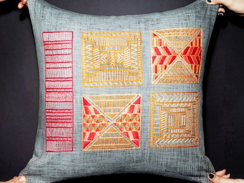 DIY Needlepoint denim pillow.: Cram Pillows, Cram Cushions, Hands Embroidered, Embroidered Cushions, Hands Embroidery, Diy Needlepoint, Embroidery Refreshing, Denim Pillows, Embroidered Pillows