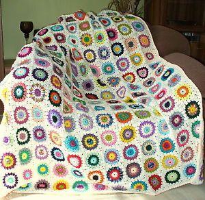 Granny-Square-Decke-SUNBURST-FLOWERS-gehaekelte-Decke-Haekeldecke-CREME