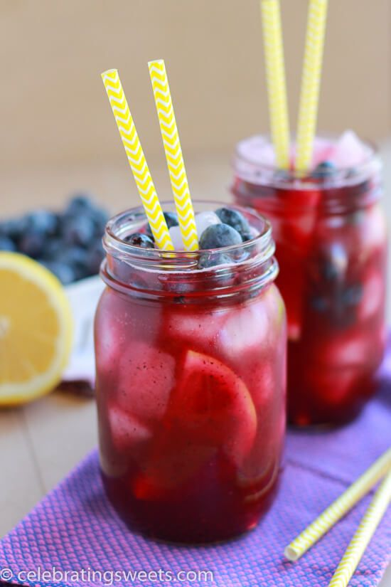Blueberry Lemonade ~ Light and refreshing homemade lemonade flavored with fresh blueberries. Perfect summertime beverage recipe! Great for parties!
