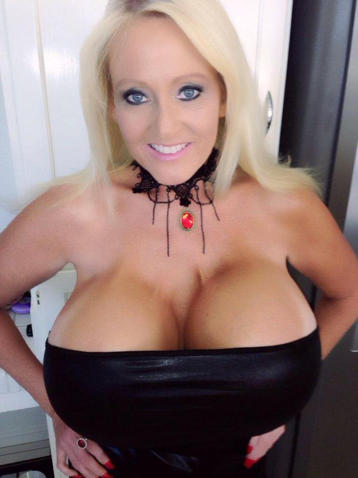 Kayla white mama at porn theater - 1 10