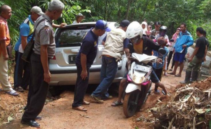 Bencana Alam Terjang Lima Kecamatan di Kabupaten Ciamis - http://www.rancahpost.co.id/20160352696/bencana-alam-terjang-lima-kecamatan-di-kabupaten-ciamis/