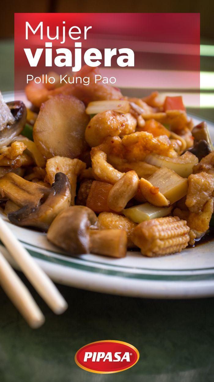 Preparación: Mariná 2 pechugas de pollo troceadas con 1 cda. de salsa soya, 1 de vinagre balsámico, 1 de aceite de sésamo, 2 cdtas. de harina de maíz y batí todo muy bien. Para la salsa  mezclá 2 cdtas. de vinagre balsámico, 1 cda. de salsa de soya, 1 cda. de salsa hoisin (de venta en supermercados de artículos chinos), 1 cda. de aceite de sésamo, 2 cdas. de harina de maíz y batí todo. Cortá cebolla, chile dulce, apio, hongos y elotes enanos en trocitos. Cociná todo en el sartén, ¡y listo!