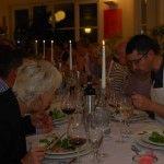 """Ein """"Festliches Menü"""" stand auf dem Programm. Zubereitet von den 18 Teilnehmerinnen und Teilnehmer des Kochkurses."""