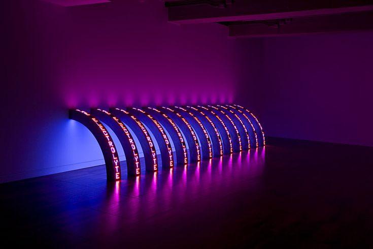 ジェニー・ホルツァーの香港初個展 Pearl Lam Galleries9月に開催