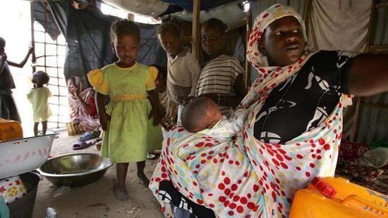 """Tra gli schiavi della Mauritania:""""L'Islam è per i padroni"""". Migliaia di """"neri"""" continuano a essere proprietà degli arabi ricchi: """"Non possiamo neanche pregare, solo ubbidire"""", di Domenico Quirico - Diario"""
