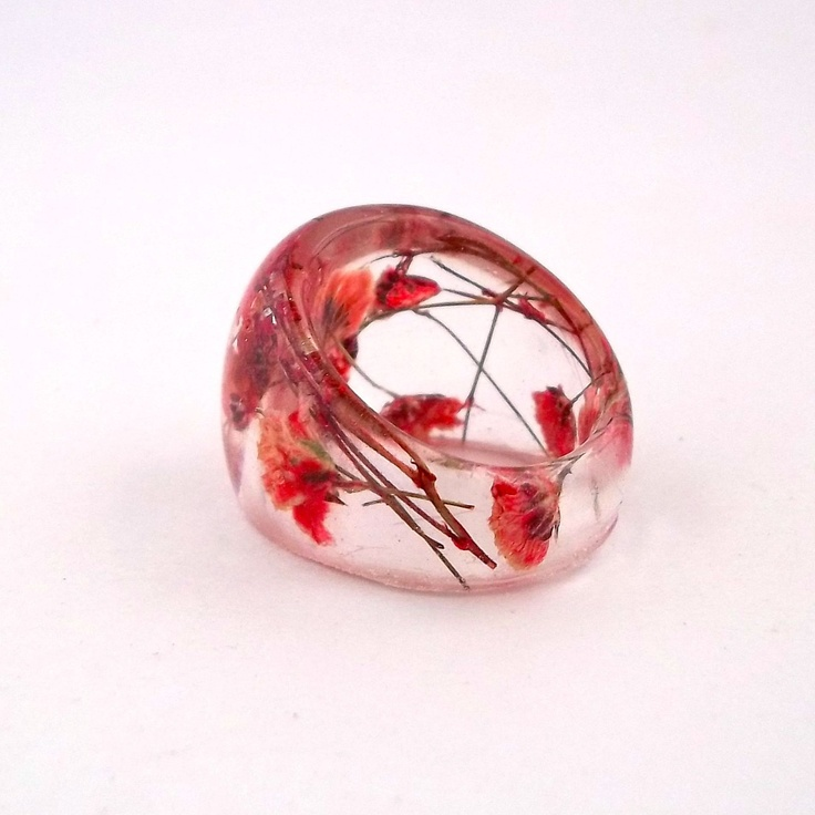 beautiful ring.  Pressed Flower Resin Ring. Handmade Jewelry with Real Flowers - Red Baby's Breath. 38.00, via Etsy.Red Baby'S, Resins Rings, Flower Resins, Resins Jewelry, Resins Beautiful, Beautiful Rings, Red Resins, Press Flower, Handmade Jewelry