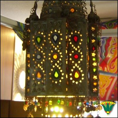lmpara realizada en alpaca al estilo de los faroles usados en ramadn en egipto lleva
