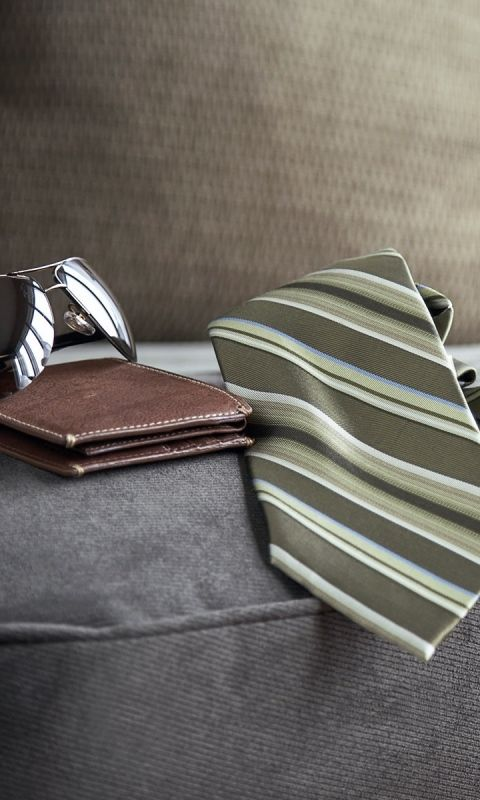 480x800 Wallpaper tie, purse, sunglasses, chair, man