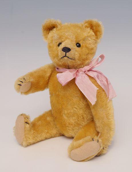 Schöner Teddy, Fa. Bing, um 1915, Mohair gelb, Schuhknopfaugen, schwarze Nasen- undKrallenbestickun — Teddies