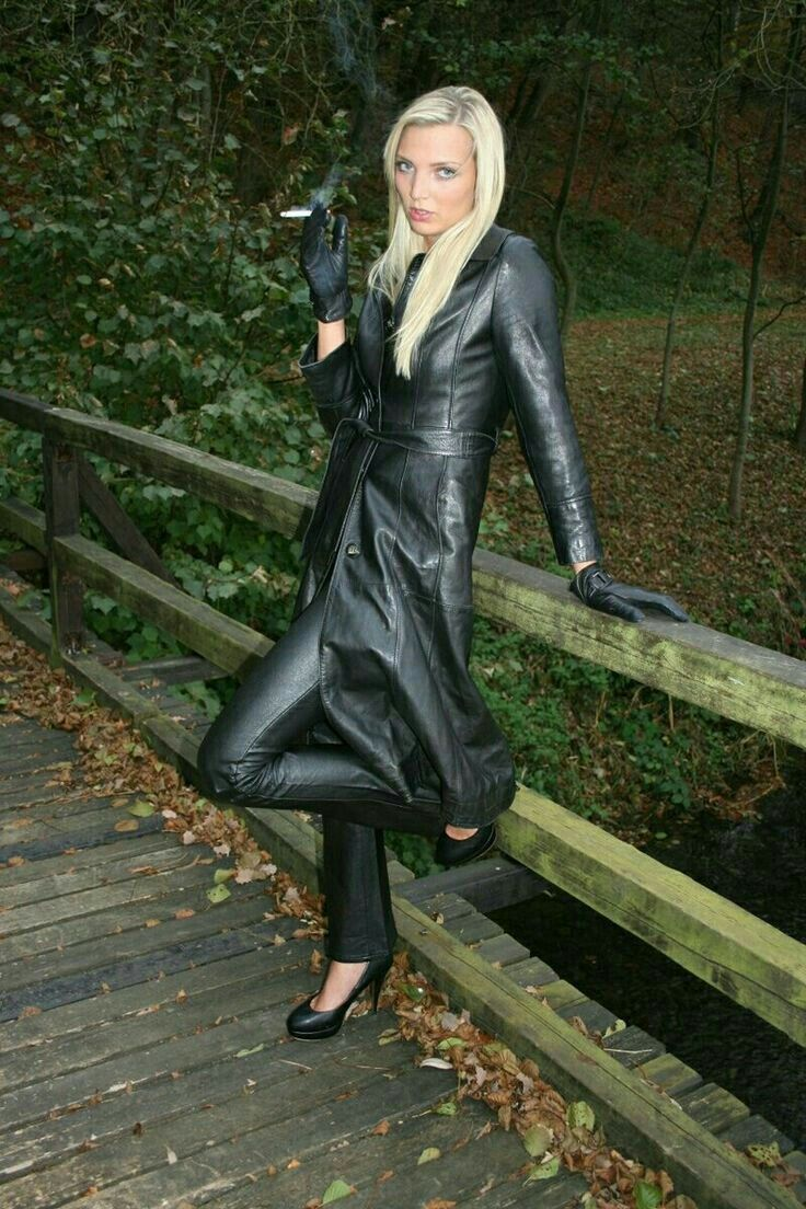 Lederlady Leder Leder Outfits Lederbekleidung