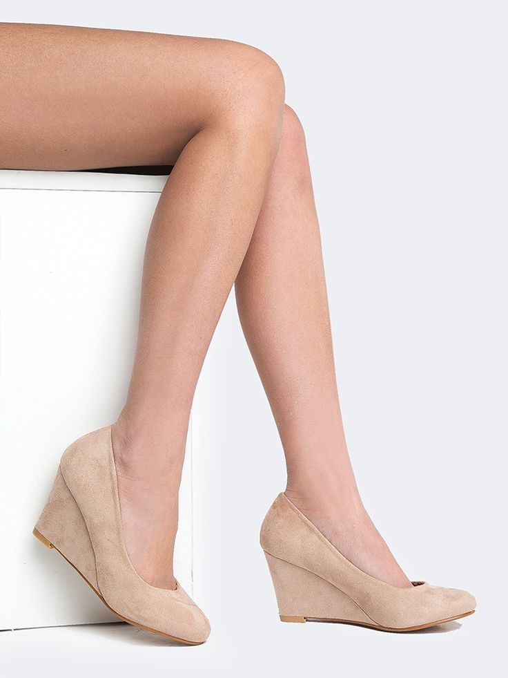 Nude low wedges Nude Photos 31