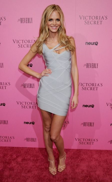 We love this silver bandage dress on Victoria's Secret angel Erin Heatherton!