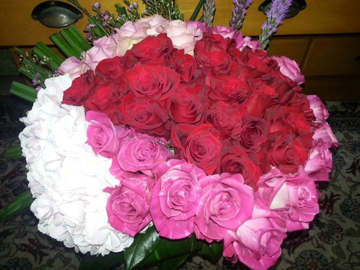 Hortensie si trandafiri