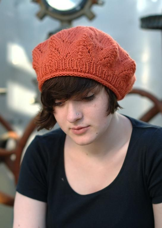 Knit Hat Patterns For Beginners : Pin by Sonja on BERETS &SLOUCHY HATS Pinterest