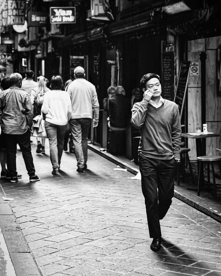 Contemplating - street photography in black and white