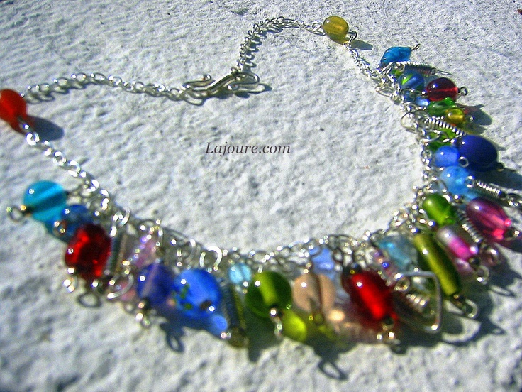 Necklace: glass beads and silver plated cooper wire