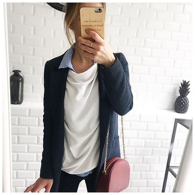 Tenue du jour 💙 •veste et chemise @zara •pull @pimkie •collier JADE @blackwhite_loving •sac @sezane .  .  .  .  #instadaily #instagood #ig #instagram #girl #life #lifestyle #blogger #blog #mood #fashion #fashionblogger #style #french #today #details #clothing #ootd #outfit #look #lookoftheday #instagrammers #outfitoftheday #ootdoftheday #mylookhome #mylook#necklace #instanecklace #goodnight