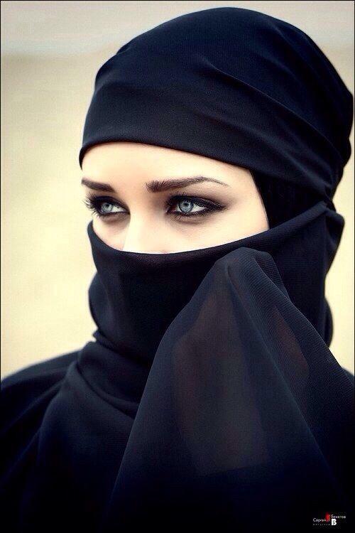 muslimwomenwearclothestoo:  For More hijabi Stuff ☪ http://muslimwomenwearclothestoo.tumblr.com ☪