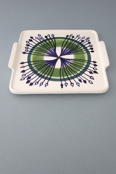 Arabia, Finland - vintage ceramic tab handled 'starburst' platter