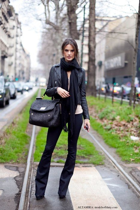 Sexy!Street Fashion, Black Leather Jackets, Alessandraambrosio, All Black, Alessandra Ambrosio, Street Style, London Street Style, Fall Outfit, Bags