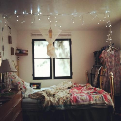 icicle lights in bedroom best 25 icicle lights bedroom ideas on white 15581