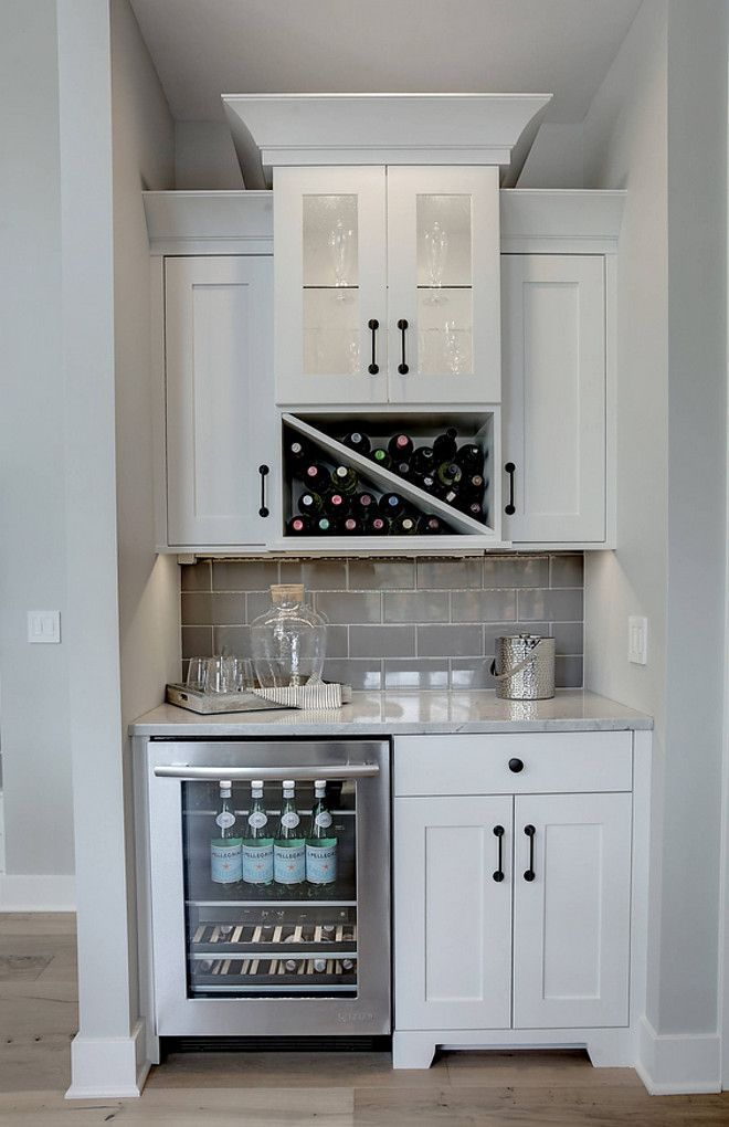 Best 25 kitchen wet bar ideas on pinterest built in bar for Built in drinks cabinet