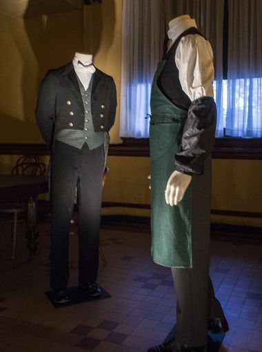 Downton Abbey Servants Clothes: Protective apron & sleeves would be worn by The  Butler, Valets & Footmen to protect uniforms & livery while doing mucky jobs like cleaning boots or polishing the silver etc...
