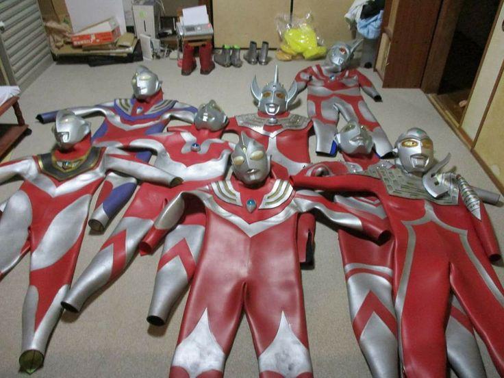 Ultraman suits waiting for hunks to don them! ٩(-̮̮̃•̃)۶ #ultraman #urutoraman