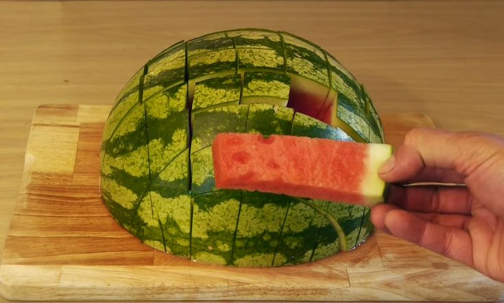 This Is The Best Way To Cut A Watermelon So It's Easy To Eat