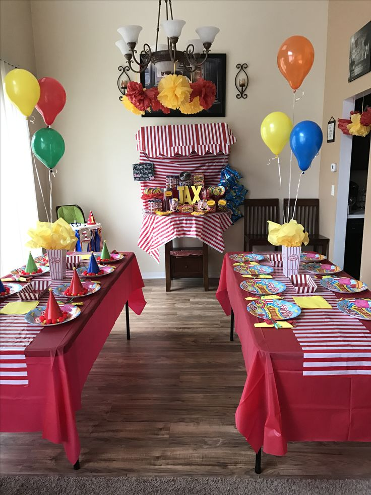 First birthday party, carnival theme, party decor