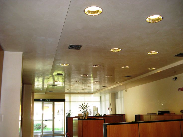 grassello lucido a soffitto